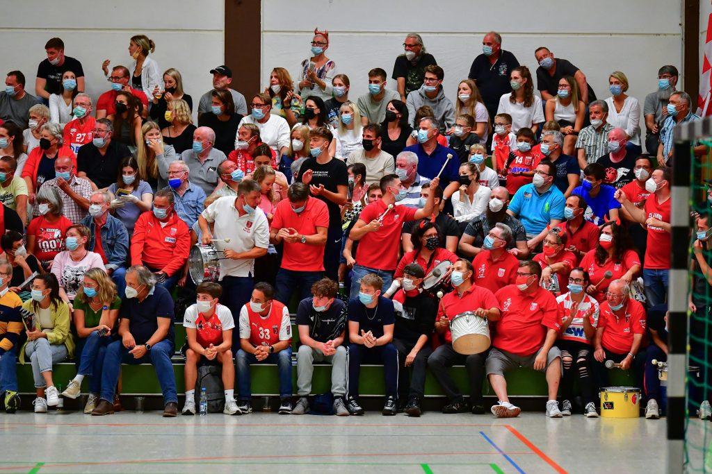 DIE SGL-Fans waren im Derby eine starke Unterstützung. (Steffen Hoffmann)