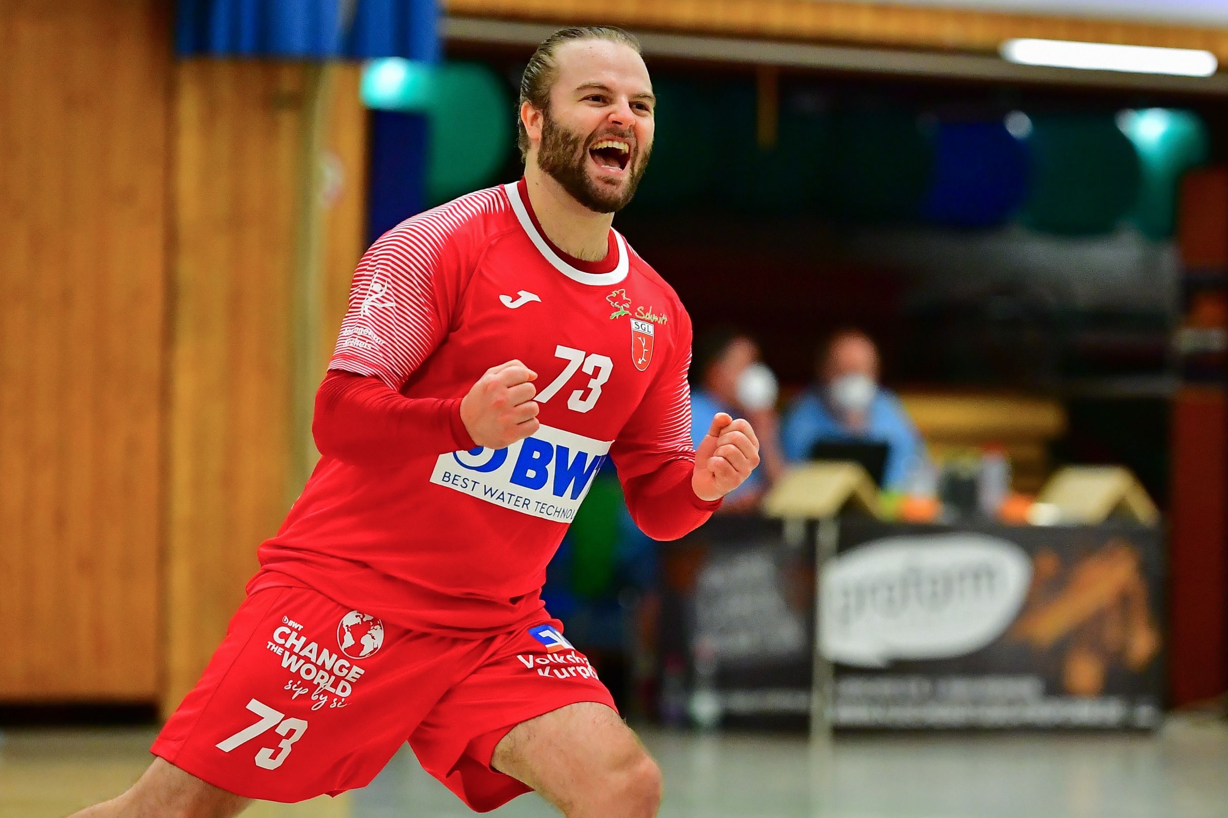 Gianluca Pauli jubelt (Steffen Hoffmann)